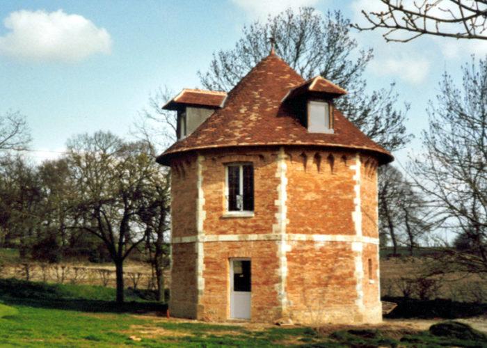 Déplacement et reconstruction d'un colombier en Normandie