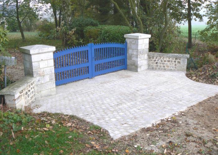 pavage et piliers en pierre en Normandie