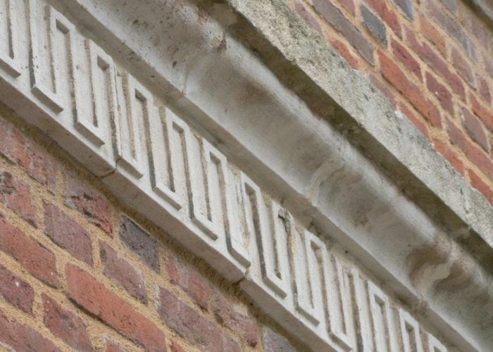 Rénovation d'une façade ancienne en briques de Saint Jean
